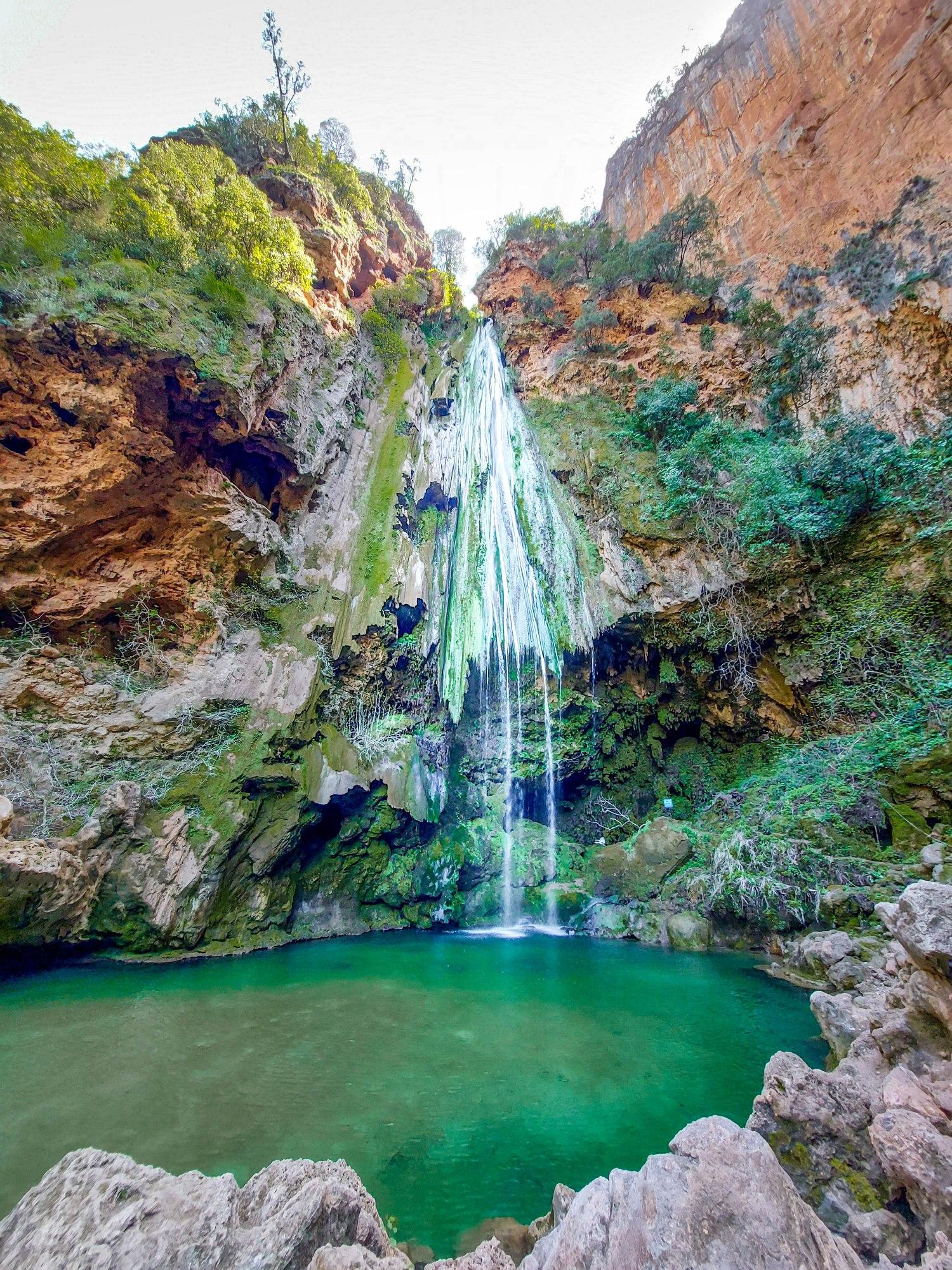 La cascade haute d'Akchour au Maroc